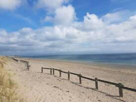 Spacious 2 bed seafront flat.