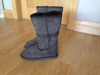Zippyboots size 7 brown - brand new