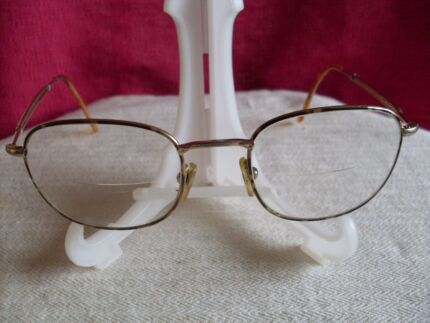 TORTOISESHELL / GOLD METAL GLASSES FRAMES,VERY LIGHT, LOOK GOOD. Mudgee Mudgee Area Preview
