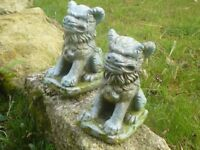 Pair of Vintage Cast Stone Foo Dog Garden Ornaments Gate Post Toppers Shishi