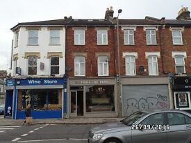 Supper large 1 Bedroom Flat to rent at Barnet area ( Very Big size ) .