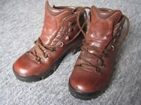 Gents Hiking Boots