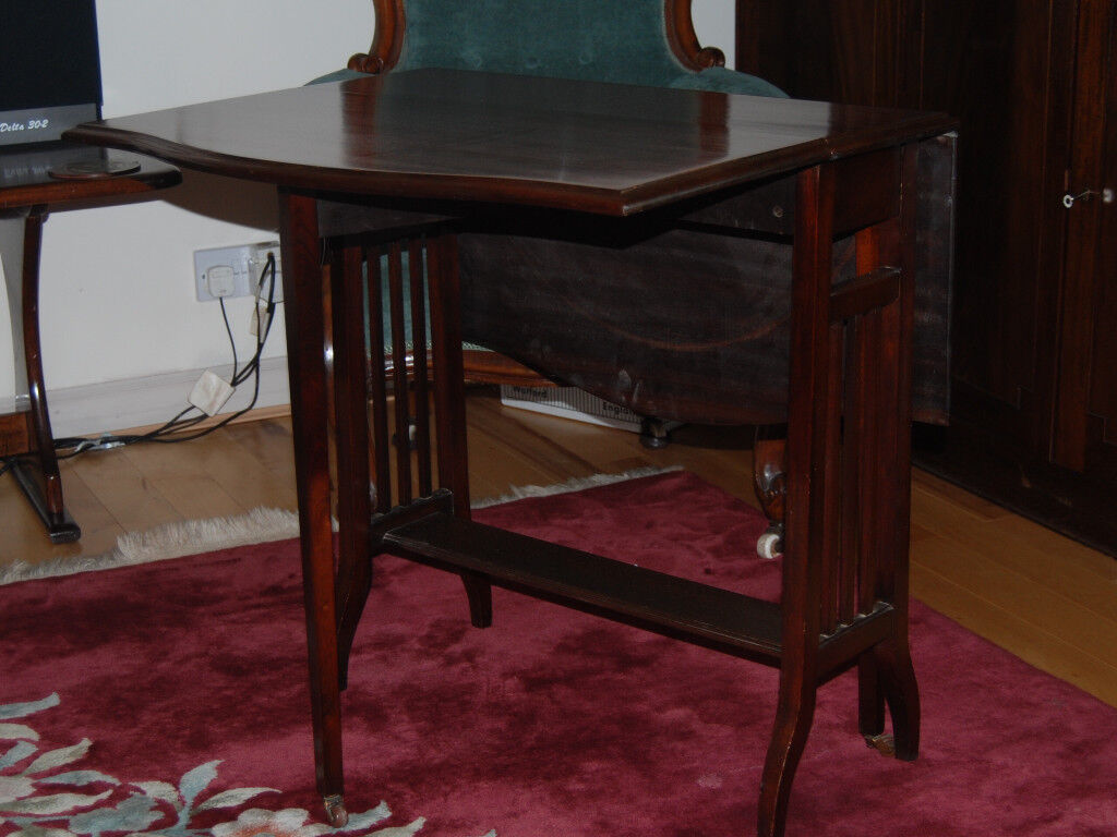 Attractive Edwardian Sutherland Table