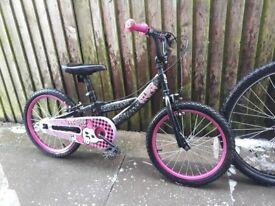 Girls aged 6 up pedal bike