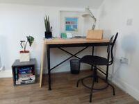 Industrial Desk KULLABERG Pine/black (almost new) + Swivel chair KULLABERG Black office