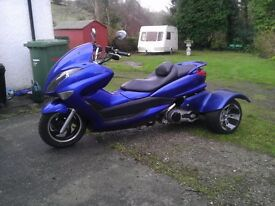Very Pretty 200cc Scooter Trike. Delivery mileage, Disc Brakes, Automatic, Reverse, 100mpg