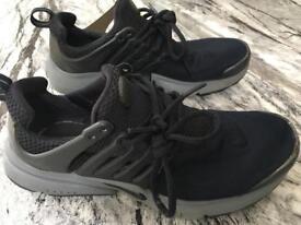 Used Nike air presto black / grey size UK 5.5