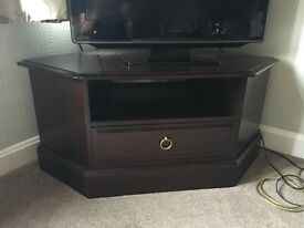 Traditional TV corner cabinet & Table
