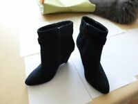 Navy suede ankle boots size 4