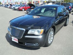 2013 CHRYSLER 300 TOURING MOTOWN - PANORAMIC SUNROOF, LEATHER HE