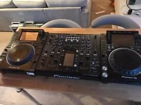 2x Pioneer CDJ 2000NXS2 + DJM 2000 Nexus Mixer + Deck savers