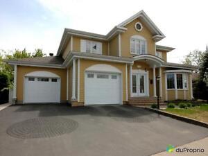 595 000$ - Maison 2 étages à vendre