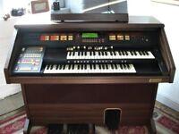 Hammond XT-100 Organ