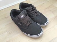 Mens Grey Vans Chukka trainers, size UK 7