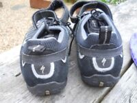 Men's cycle shoes and clips
