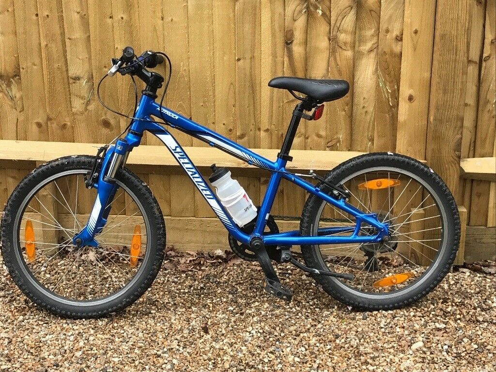 Boys Specialized 20 inch bike - Blue - excellent condition 6-10 years