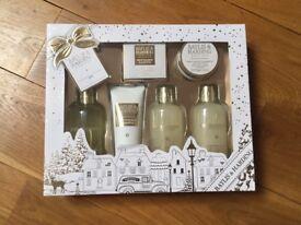New Baylis & Harding Gift Set Sweet Mandarin and Grapefruit Shower Wash Bath Body Cream