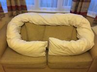 **PREGNANCY PILLOW**