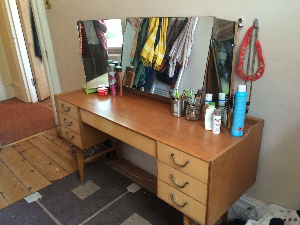 Retro wooden vanity dressing table in hove east for Gumtree beauty table