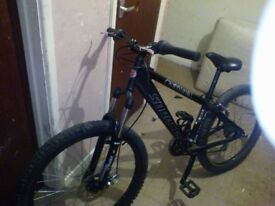 Saracen instinct one, dirt/jump trials MTB