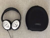 Bose QC15 Noise Cancelling Headphones - Used