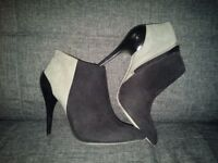 ALDO - leather ankle boots. Size 5