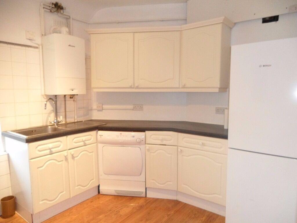 2 Bedroom Flat in Greystoke Court, Hanger Lane, Ealing W5