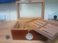Cigar Humidor, decorative polished cedar wood with glass veiwing, cigar cutter lid.