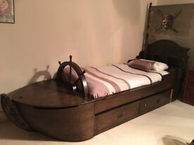 Fabulous Pirates of the Caribbean Pirate Ship Youth Bed PLUS Treasure Chest
