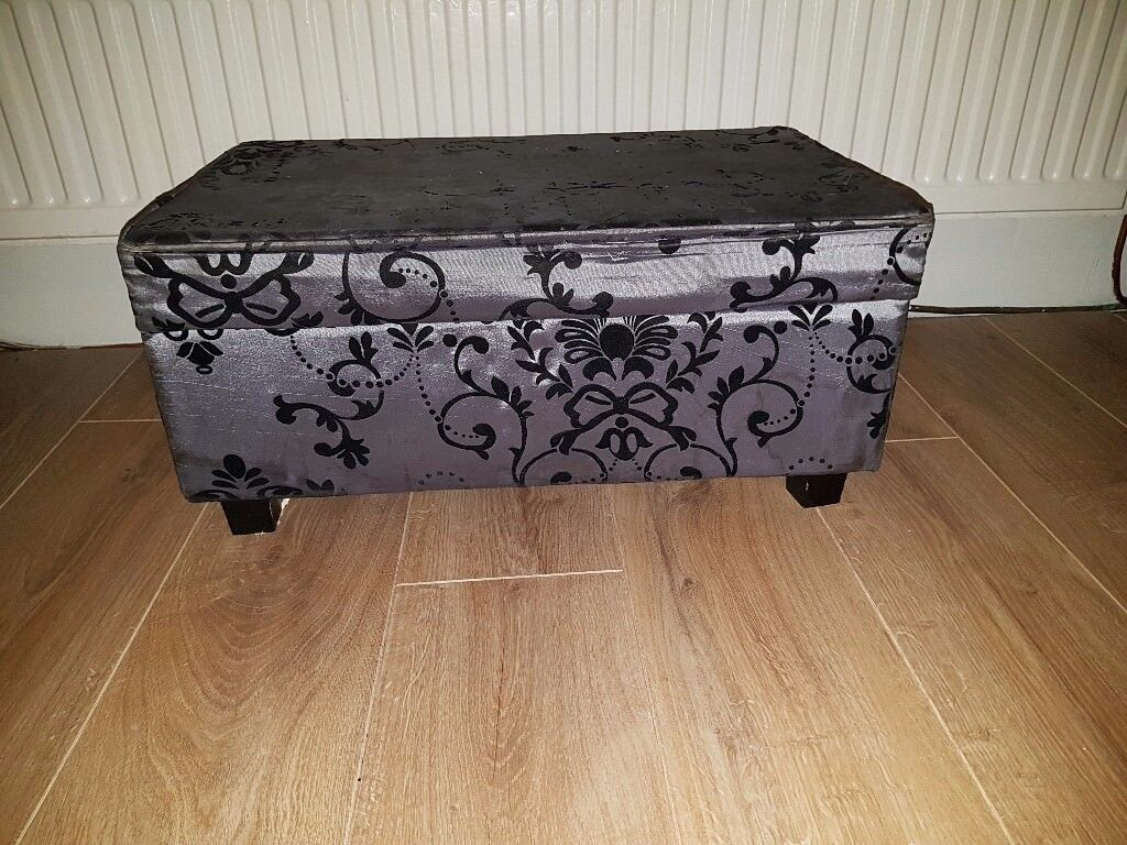 Upcycling project-footstool with storage