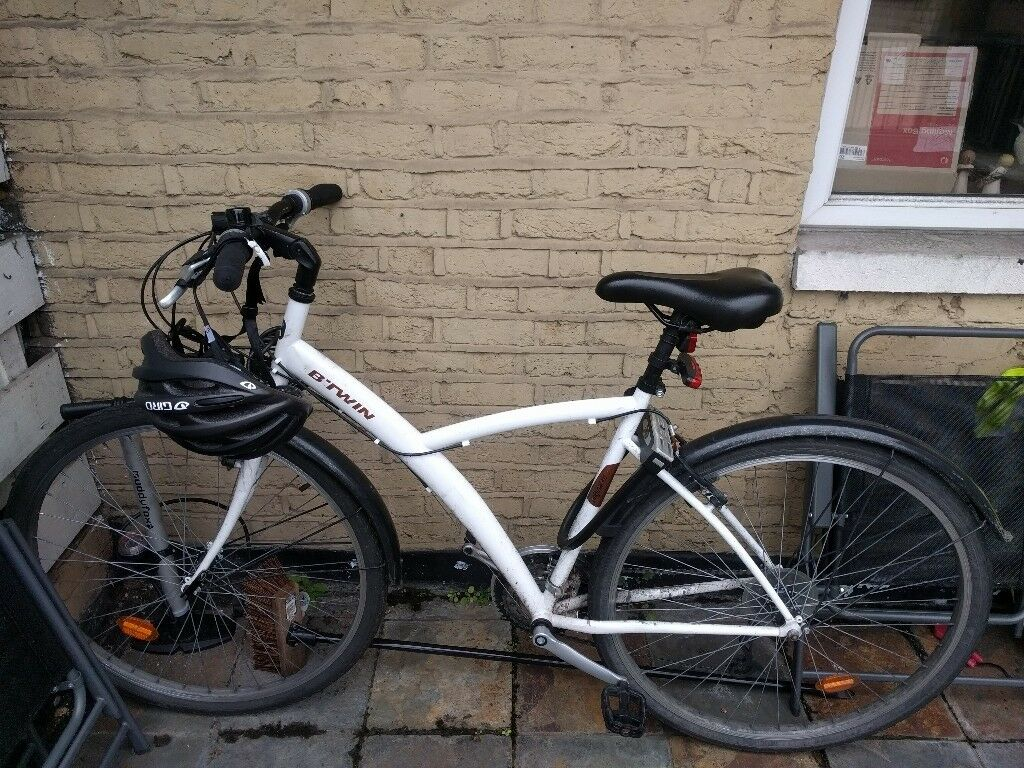 BTWIN 300 Hybrid bike 26'' (1 year old) plus accessories