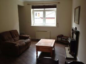 Recently refurbished 2 bedroom first floor maisonette flat available now