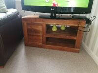 Coffee table TV stand and nest tables oak furniture land