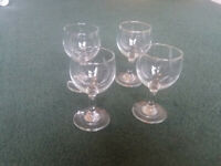 FREE. Large Brandy glass. 4 Small Wine Glasses