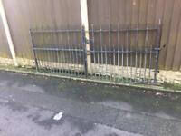8ft wide fully galvanised steel driveway gates / very well built bargain £110