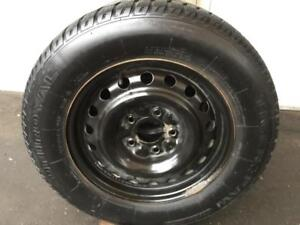 Rims DODGE GRAND CARAVAN + Pneus Hiver UNIROYAL 215-65-16