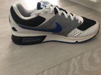Nike Air - Size 9