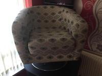 Swivel modern chair