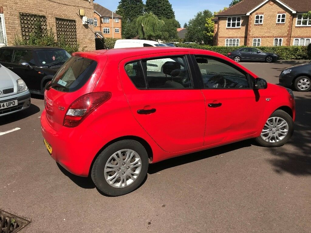 Hyundai i20 2009-Manual-1 owner-Very Low Mileage-1 Year MOT-Excellent  condition