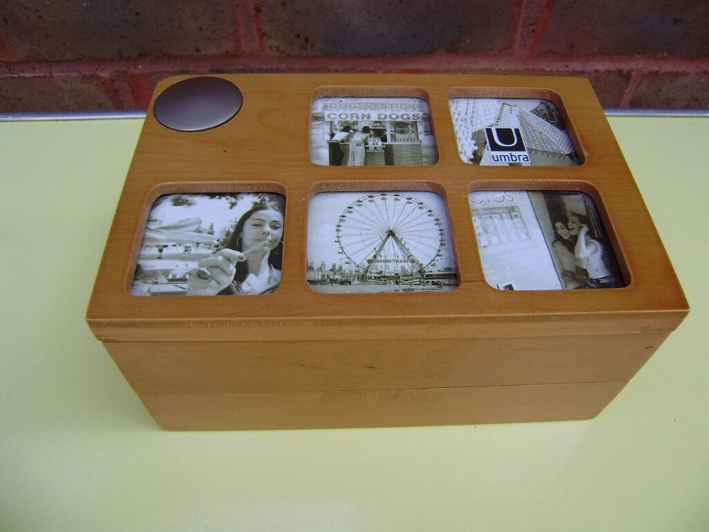 Jewellery box by Umbro, with some costume jewellery, perfect condition