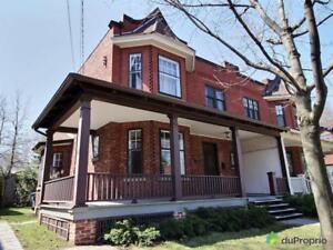 700 000$ - Maison 2 étages à vendre à St-Lambert