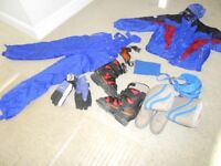Mens salomen skii boots size 8/9, med size jacket salopettes, goggles,gloves,snow boots,socks etc