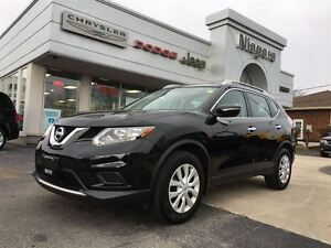 2015 Nissan Rogue S,BLUETOOTH,SAT RADIO,VERY CLEAN,