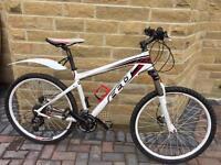 Felt Q720 mountain bike top spec