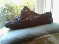 Supegra shoes size 7