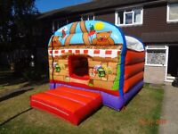 TEDDY BEARS PICNIC BOUNCY CASTLE with sunroof 12ftx12ft GC (cert needed) incs fan/pegs - home/hire