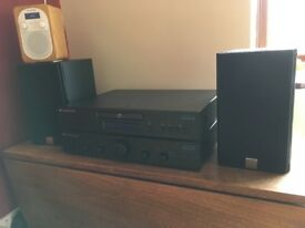 Stereo Cambridge Audio CD Player and Amplifier, Dali Zensor 1 speakers separates