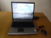 Laptop Toshiba Tecra M5, Windows 7, 120GB HDD, 2GB RAM plus USB mouse