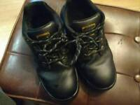Dunlop safety shoes (steel toe)