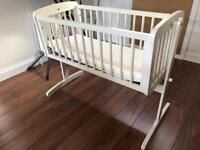 Baby crib - suitable from newborn